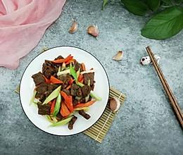 牛肉炒青蒜胡萝卜的做法