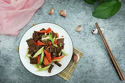 牛肉炒青蒜胡萝卜