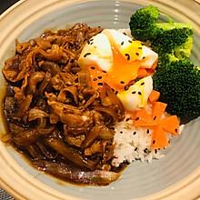 让你胃口沦陷的日式肥牛饭,一碗都不够吃!