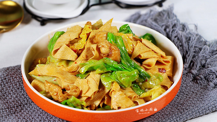 #父亲节,给老爸做道菜#干豆腐包菜炒鸡片