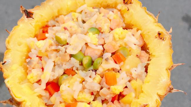 香甜爽口菠萝饭的做法