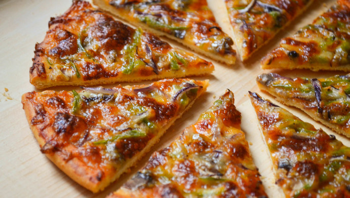 脆底蘑菇披萨