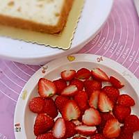 草莓蛋糕的做法图解1
