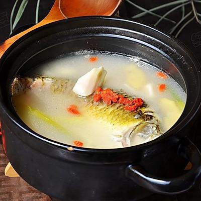 初秋养生汤--山药枸杞鲫鱼汤