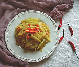 微辣脆爽—炒西瓜皮的做法