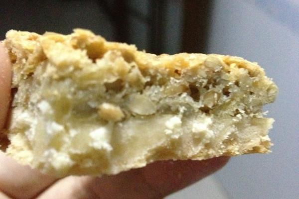 葵瓜子仁酥块的做法