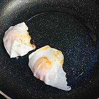 荷包蛋焖面的做法图解2