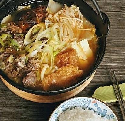韩式菌菇肥牛暖锅的做法