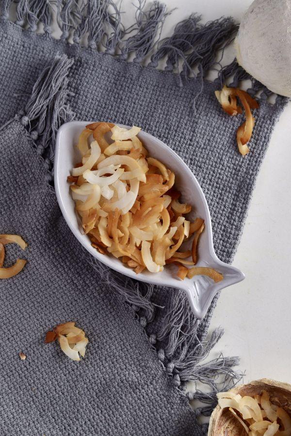 超级健康减脂零食:自制烤椰子脆片的做法