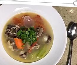 冬日暖身滋补牛尾汤的做法