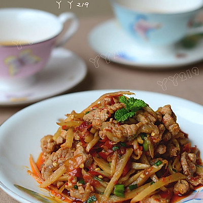 【泡椒炒板筋】——酸辣开胃的下饭菜
