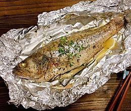 锡纸烤鲈鱼,不用起油锅的美味的做法