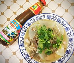 #李锦记旧庄蚝油鲜蚝鲜煮白萝卜羊杂汤的做法
