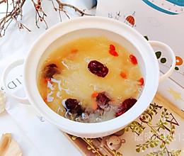 #我们约饭吧#如何让红枣枸杞银耳汤快速出胶?的做法