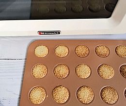 只要三步搅拌就能成功的芝麻薄脆#海氏烤箱狂欢记的做法