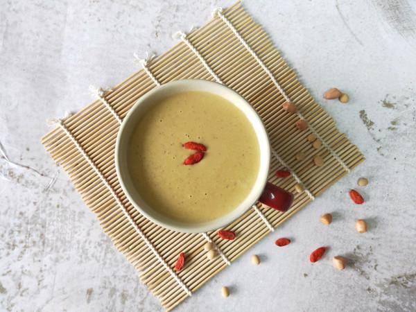 枸杞花生红枣豆浆的做法