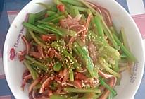 芹菜炒猪耳的做法