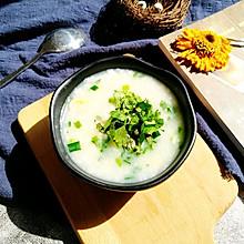 韭香花蛤海鲜汤