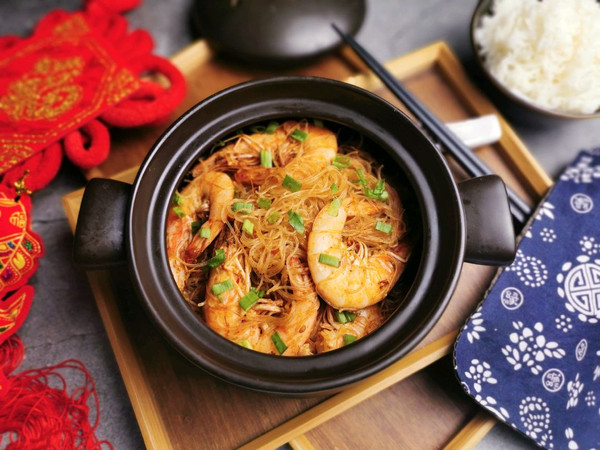 鲜虾粉丝煲的做法