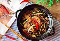 吮指美味 下酒菜 干锅酱鸭茶树菇#食光社干锅鸭#的做法