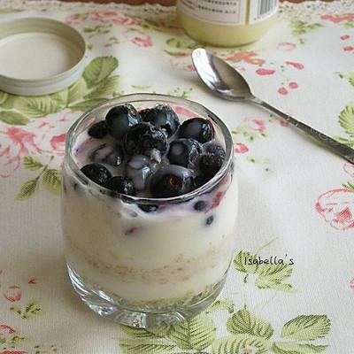 超简易元气早餐——蓝莓燕麦酸奶杯