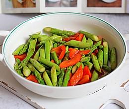 芦笋炒彩椒的做法