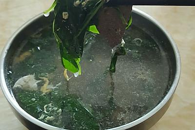 枸杞叶猪肝蛋花汤