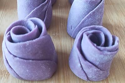 集颜值、营养于一身的紫薯花卷