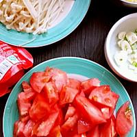 番茄金针菇蛋汤的做法图解2