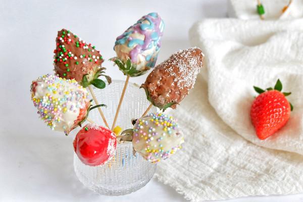 情人节巧克力草莓的做法