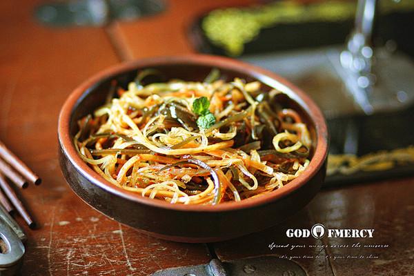 怀旧版满分减腹餐凉拌三丝之【海带莴苣拌胡萝卜】的做法