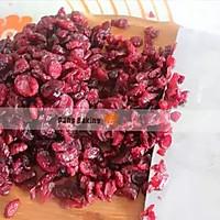 蔓越莓牛轧糖#莓汁莓味#的做法图解2