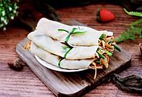 #春季减肥,边吃边瘦#肉丝绿豆芽春饼~饺子皮版的做法