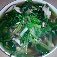浓汤宝香菇小白菜汤