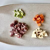 金灿灿的小米裹肉丸子,粗粮和肉的黄金搭档!#今天吃什么#的做法图解4