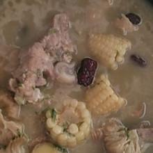猴头菇玉米排骨汤