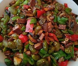 虾皮毛豆炸酱的做法