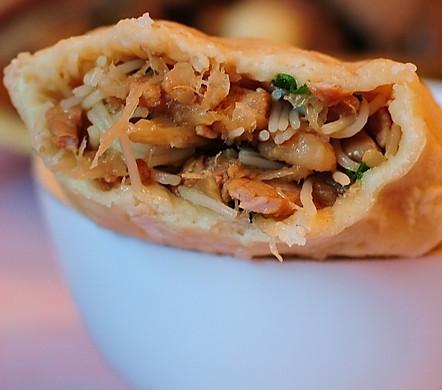 雁荡山著名小吃---麦油煎(卷筒煎饼)的做法