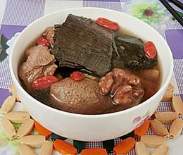 枸杞杜仲生地补肾汤的做法