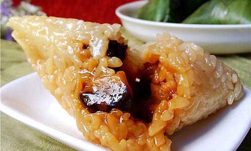 端午粽子香:香菇肉粽的做法