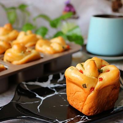 香肠沙拉玫瑰花面包