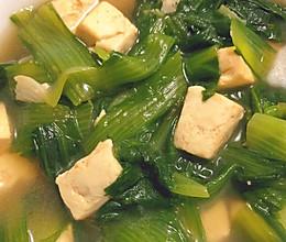 暖心降火的小白菜炖豆腐汤——豆腐香软滑嫩,小白菜清爽美味