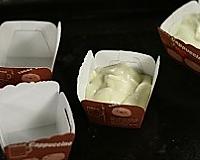 北海道戚风蛋糕的做法图解7