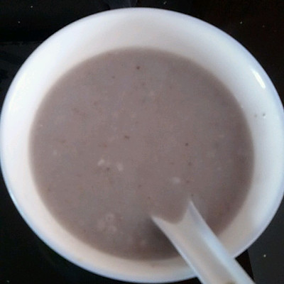 善补气血的山药薏米芡实粥