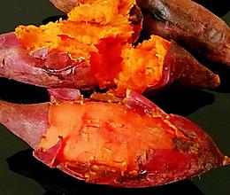 #憋在家里吃什么#教你做流糖色的砂锅烤红薯的做法