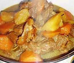 增肌营养餐: 土豆胡萝卜炖牛腩的做法