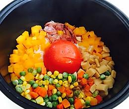 电饭煲做网红饭~整个番茄饭的做法