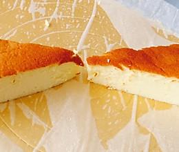 松软到让人一口爱上的戚风蛋糕的做法