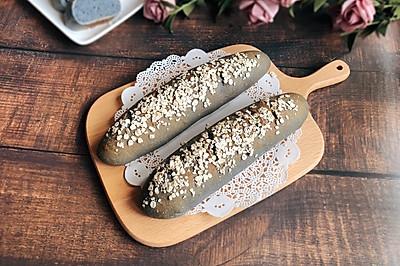 燕麦护体的全麦面包
