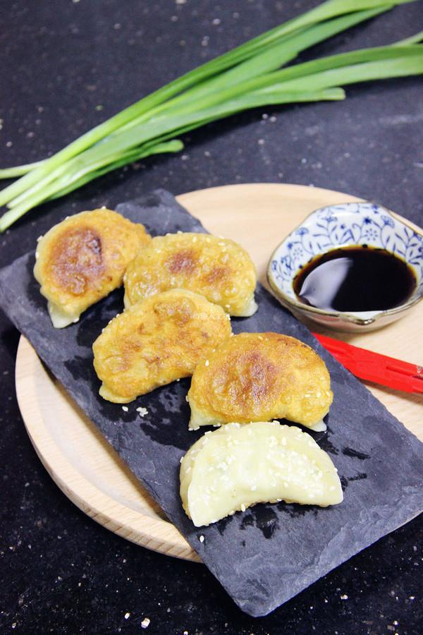 外焦里嫩的·手工煎饺·的做法